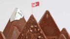 Toblerone gehört zwar längst einem US-Konzern. Hergestellt aber wird die Schokolade in der Schweiz, aus 100 Prozent Schweizer Milch.