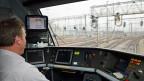 Der Computer berechnet den voraussichtlichen Verlauf des Zuges heute alle drei Sekunden und macht den Lokführern Vorgaben. Ob Fahren so noch Spass macht??