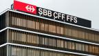 Logo der SBB am Hauptsitz in Bern.