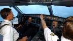Ab sofort gilt auch bei der Swiss die Zwei-Personen-Regel im Cockpit.