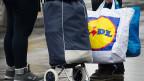 Wenn Konsumenten im Ausland einkaufen, dann sei das ein Teil der Lösung im Kampf gegen Konzerne, die hierzulande überteuerte Preise verlangen.