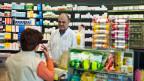 Das neue Heilmittelgesetz will die Trennlinie zwischen Apotheker und Arzt aufweichen.