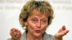 Finanzministerin Eveline Widmer-Schlumpf appellierte an den Rat – mit Erfolg: Bürgerliche und Mitteparteien haben sich für Eintreten auf das Sparpaket des Bundesrates eingesetzt.