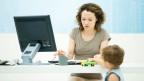 Die Crédit Suisse ist das erste grosse Unternehmen in der Schweiz, das ein Wiedereinsteigerinnen-Programm durchführt und Frauen die Rückkehr ins Berufsleben erleichtert.