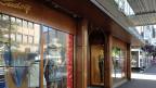 Das Modehaus Rudolf an der Hauptstrasse in Kreuzlingen ist ein Traditionsunternehmen. Seit über 150 Jahren wird hier Herren-und Damenmode verkauft. Seit der Aufhebung des Euro-Mindeskurses ist der Umsatz um 30 bis 40 Prozent zurückgegangen.