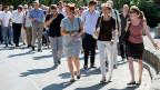 Die Schweiz habe die Situation mit den Asylsuchenden im Griff, und die Strukturen würden bestens funktioniern, sagte Bundespräsidentin Sommaruga anlässlich ihres Spaziergangs mit Journalistinnen und Journalisten in Bern.