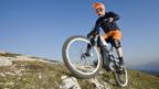 Elektro-Mountain-Bikes werden immer beliebter. Nicht überall werden sie gerne gesehen.