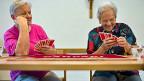 Ob der nächsten Generation das Lachen im Hals stecken bleibt? Die eidgenössischen Räte diskutieren die Rentenreform; und es geht nicht nur um Milliarden, sondern auch um soziale Gerechtigkeit – und um den Ausgleich zwischen Jung und Alt.