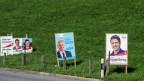 Wahlplakate säumen im ganzen Land die Strassen.