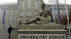 Auch die Transparenz an der Uni Zürich kennt Grenzen: Nicht offengelegt werden beispielsweise die Interessenbindungen von Privatdozentinnen und -dozenten.