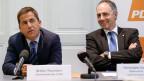 Walter Thurnherr, Generalsekretär UVEK, (links) und CVP-Parteipräsident Christophe Darbellay am 6. Oktober 2015 in Bern.