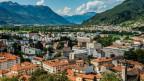 Stadtansicht von Bellinzona, 17'000 Einwohner und zweitgrösste Stadt des Tessins.
