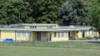 Das Asyl-Durchgangszentrum in Embrach. Im Rahmen der Neustrukturierung des Asylwesens soll dieses in ein Bundeszentrum umgewandelt werden.