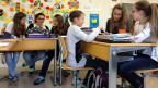 Die Diskussion, ob man Knaben und Mädchen getrennt unterrichten soll, ist lanciert. Reine Mädchen- und Knaben-Schulen gibt es in der Schweiz nur wenige. An vielen Schulen aber werden bereits gewisse Lektionen getrennt nach Geschlechtern abgehalten.