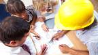 Durch den Kostendruck in der Branche sei die Zukunft von jungen Ingenieurinnen bedroht. Symbolbild.