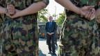 Die Armeereform ist voerst gerettet - der Konflikt ums Geld aber ist nur auf später verschoben. Bild: Bundesrat Ueli Maurer beim Besuch einer Rekrutenschule.