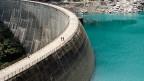 Die Speicherseen, aus deren Wasser Strom wird, sind halb leer, die Flüsse auch.
