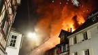 Da der Brand schnell auf sechs angebaute Häuser übergegriffen hatte, waren die Löscharbeiten schwierig.
