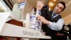 Ende 2017 ist Schluss mit den Minibar-Wägeli. Weil immer mehr Getränke und Esswaren vor der Fahrt gekauft werden können, gehen die Umsätze zurück.