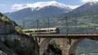 Mit finanzieller Unterstützung der Region betreibt die BLS Marketing für den Zug. «Lötschberger» heisst er, spezielle Angebote sollen Bahnbenützerinnen und -benützer in die Berge locken; günstige Tageskarten bietet die Bahn an, und sie unterhält auch Wanderwege.