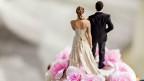 Der Bundesrat wird im Herbst eine komplette Auslegeordnung aller möglichen Steuermodelle präsentieren: Die Individualbesteuerung, aber auch Varianten der gemeinsamen Besteuerung von Ehepartnern.