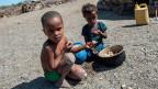 Die Stiftung Menschen für Menschen Schweiz führt im äthiopischen Afar-Gebiet ein Nothilfe-Projekt für unternährte Kinder durch. In Äthiopien herrscht schlimmste Dürre seit 30 Jahren. Um Eine Hungersnot zu vermeiden, brauchen rund Zehn Millionen Menschen akut Nahrungsmittel.