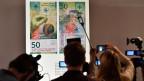 Nötig ist die neue 50-Franken-Note, um die Sicherheit zu gewährleisten. Auch Fälscher profitieren von technologischen Verbesserungen - die Notenbank muss ihnen immer einen Schritt voraus sein.