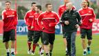Xherdan Shaqiri (Mitte) während des Trainings der Schweizer Fussball-A-Nationalmannschaft, am 21. März in Freienbach.