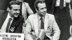 Die Arbeitsgruppe hatte auch Kontakt mit PLO-Vertreter Farouk Kaddoumi. Dieser ist ein zentraler Zeuge für NZZ-Autor Gyr. Auf Fragen der Arbeitsgruppe hingegen antwortet Kaddoumi nur noch schriftlich mit: «I don't remember». Bild: Farouk Kaddoumi, rechts, am 31. August 1983 an einer Palästina-Konferenz in Genf.