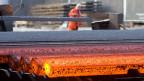 Die Firma Stahl Gerlafingen lässt dieses Jahr erstmals auch im Sommer die Öfen brummen.
