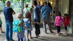 Ein Elternpaar wehrt sich gegen eine Busse von 200 Franken. Der Grund für die Busse: Die Eltern hatten wiederholt NICHT am Elternabend der Schule ihres Kindes teilgenommen.
