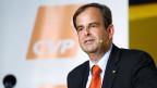 Stramm auf Parteilinie. Bild: CVP Parteipräsident Gerhard Pfister.