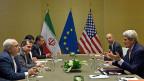 Wo Diplomaten arbeiten, sind die Spione nicht weit. Die Atomverhandlungen Ende Mai 2015 in Genf wurden tatsächlich abgehört. Bild: Der iranische Aussenminister Zarif und US-Aussenminister Kerry in Genf.
