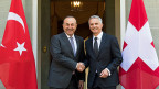 Wichtig sei der Dialog – nur so sei eine weitere Verhärtung zu verhindern, sagte Aussenminister Didier Burkhalter nach dem Besuch des türkischen Aussenministers Mevlüt Cavusoglu.