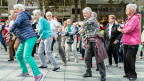 Nein zum Konzept des Nationalrats, Nein zu einer Schuldenbremse, mit der das Rentenalter schrittweise bis auf 67 steigen könnte: Die Ständeratskommission bleibt dabei. Die Seniorinnen, die am 1. Oktober den «Tag des Alters» gefeirt haben, mag es freuen.