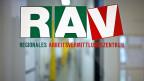 Was genau die Umsetzung des Inländervorrangs für die RAV bedeuten würde, ist noch offen. Das Parlament hat sich noch nicht auf eine Variante geeinigt.