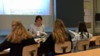 Latein bedeutet viel «Büffeln». Im Latein-Unterricht in der Kantonsschule Limmattal in Urdorf.