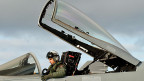 Etwa eine halbe Milliarde Franken will der Bund in die 30  FA/18-Kampfjets aus den 1990er-Jahren investieren.