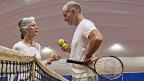 Politiker im Renten-Ping-Pong respektive Renten-Tennis: Der Matchball wird erst im März gespielt.