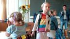 Die Neuenburger Bildungsdirektorin bezeichnet die Massnahme als «kleineres Übel» – weil kein Schulfach wie Sprache oder Rechnen wegfällt.