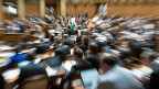 Die grosse Reform der Altersvorsorge ist wohl das bedeutendste Geschäft in der Frühlingssession. In der nationalratsdebatte (Bild) ist keine Einigung erreicht worden.