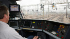 Evt. übernimmt der Lokomotivführer im Führerstand eine andere Rolle.Symbolbild.