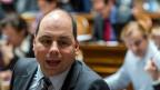 Der linke Stadtrat kaufe sich die Gunst der Zürcherinnen und Zürcher, kritisiert Mauro Tuena, Präsident der Sadtzürcher SVP.
