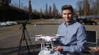 Jonas Schild: Wenn das Abwehrsystem die Funksignale der Drohne unterbricht, dann landet sie und schaltet sich selber aus.