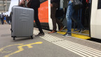 Rollstuhltaugliche Perrons im Bahnhof Papiermühle in Ittigen.