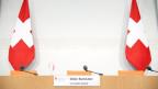 Der leere Sitz von Didier Burkhalter an der Pressekonferenz.