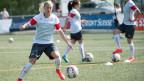 Die Schweizer Fussballspielerin Lara Dickenmann im Training.