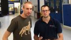 Thomas Bütler (links), Leiter der Forschungsgruppe Fahrzeugsysteme, und Adrian Braun, Autoingenieur der Empa.