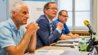 Kantonstierarzt Paul Witzig, Regierungsrat Walter Schönholzer und Polizeikommandant Kapo Thurgau Jürg Zingg, (v.l.) informieren an einer Pressekonferenz über die Arbeit der Taskforce Pferdehändler K.