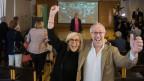 Maristella Polli, Präsidentin der örtlichen FDP-Sektion und Giorgio Cattaneo, stv. Gemeindepräsident freuen sich in Montagnola.